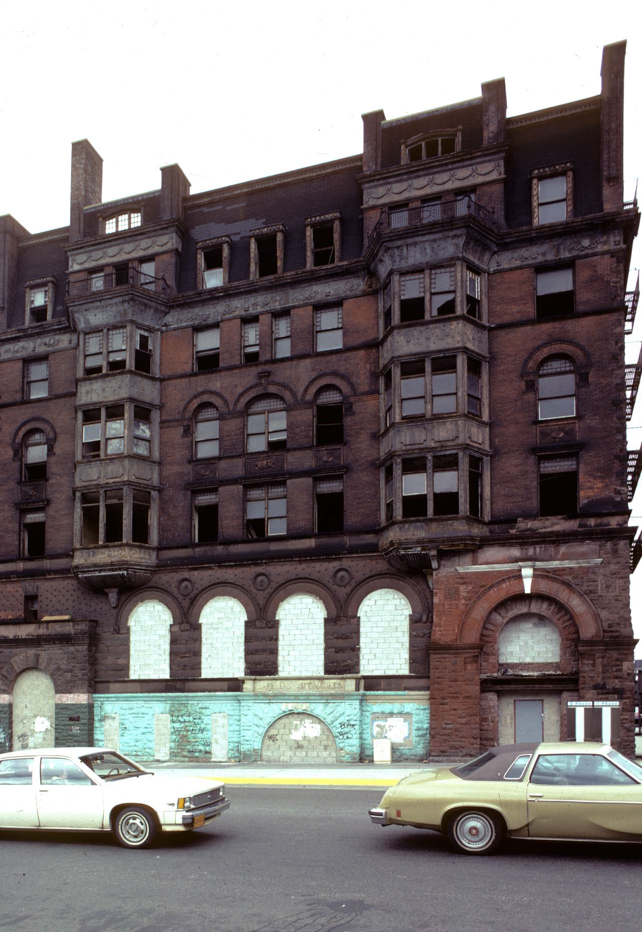 01_NW corner of Park Ave at E 125th St, Harlem, 1982_-DUP10.jpg