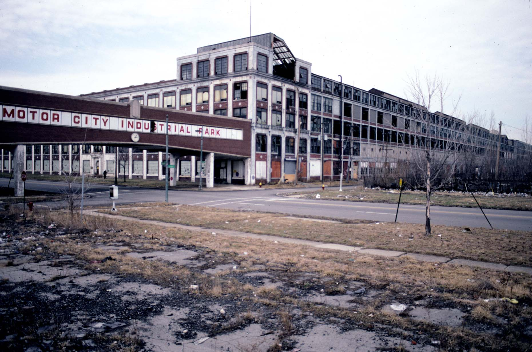 02_Former Packard Plant, E-DUP1. Grand Blvd. at Concord, 2003_.jpg