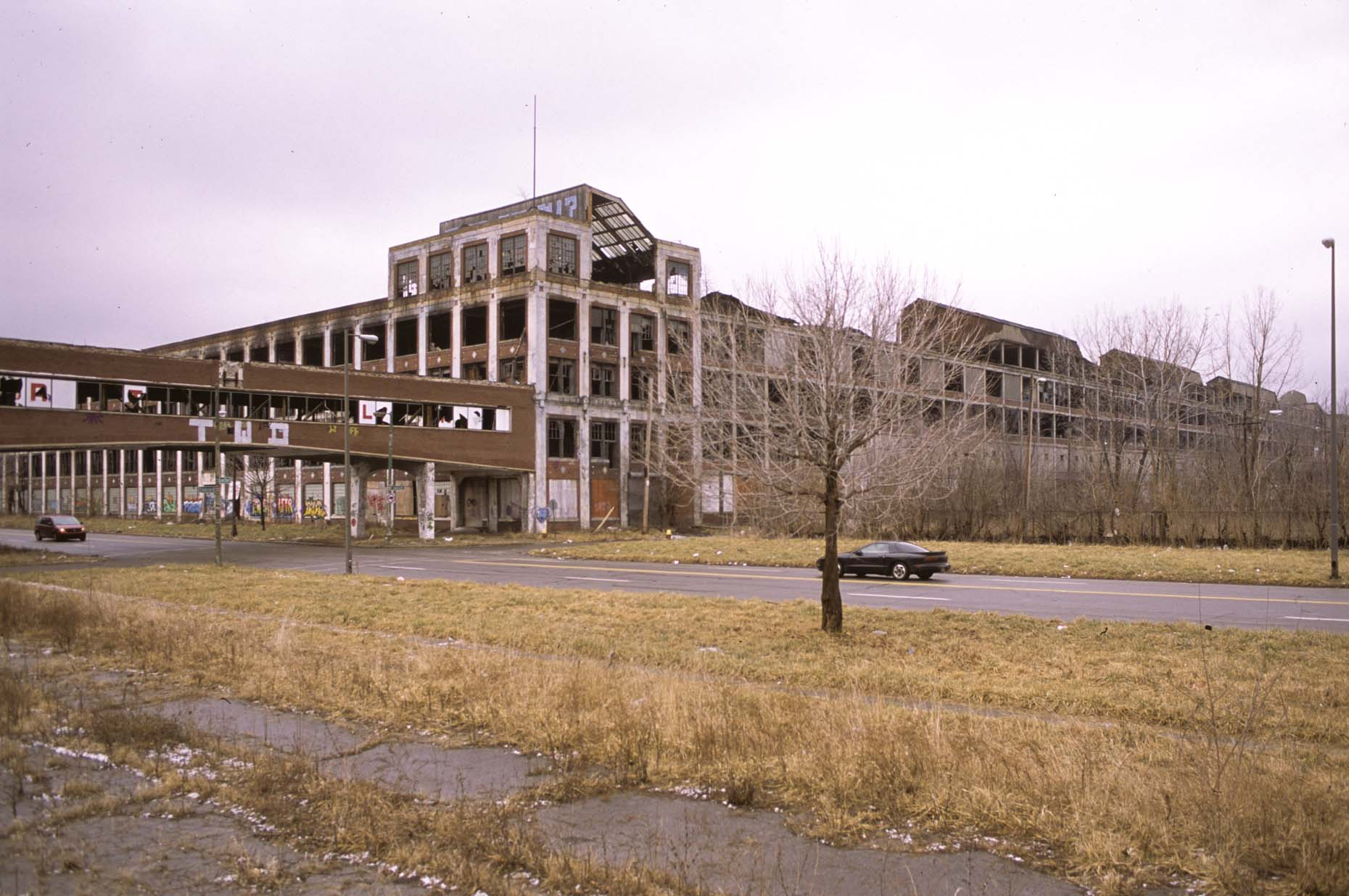04_Former Packard Plant, E-DUP1. Grand Blvd. at Concord, Detroit, 2012_.jpg