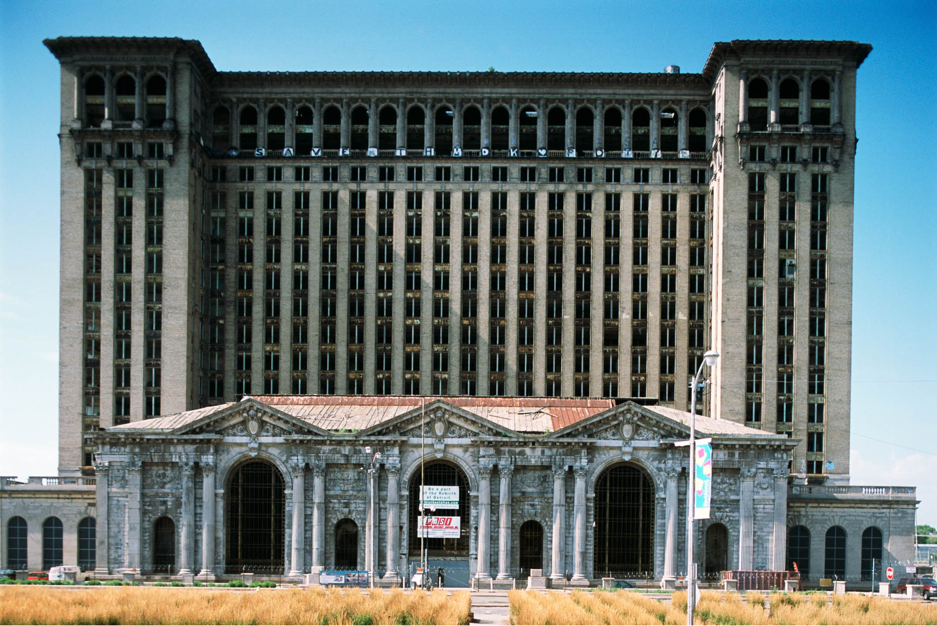 09_Former Michigan Central Railroad Station, Detroit, 2012_-DUP1.jpg