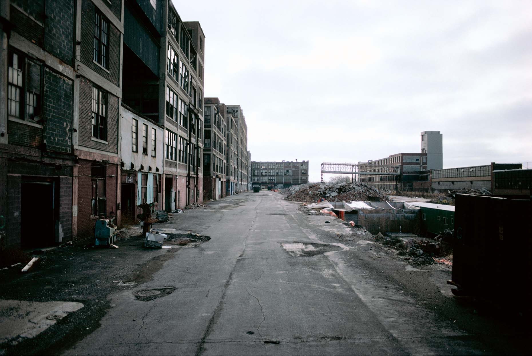 10_Former Packard Plant, East Grand Ave at Concord, Detroit, 1999_-DUP.jpg