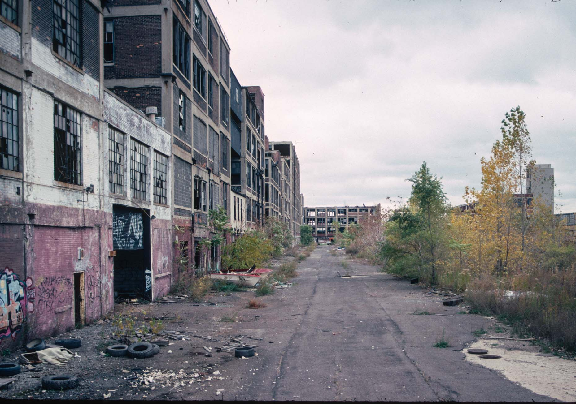 12_Former Packard Plant, View towards E Grand Ave-DUP. from a spot W of Concord, Detroit, 2008_.jpg