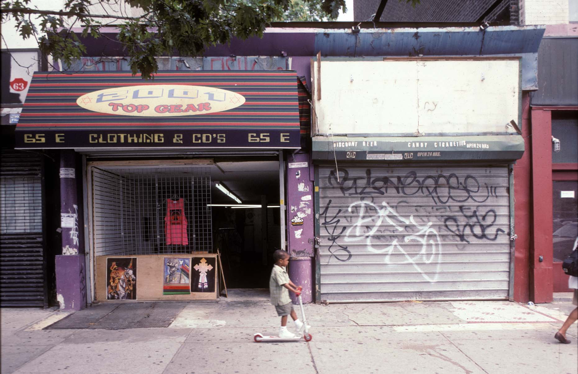 15_65 East 125th St. Harlem, Aug., 2001.jpg