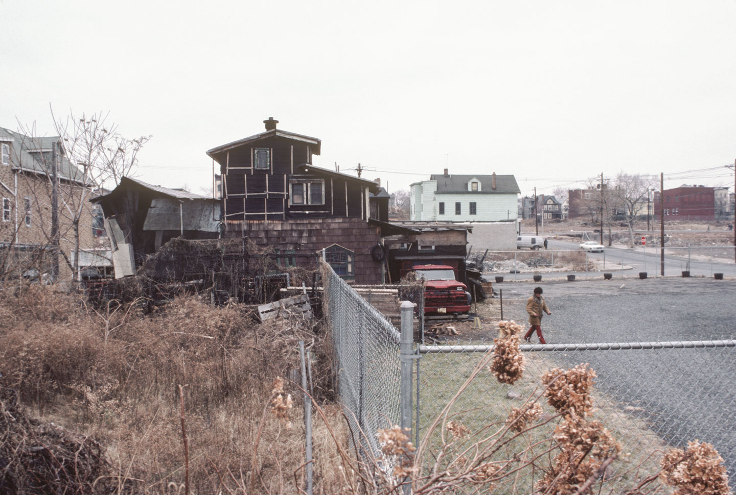 2-View of the ark from Bergen Street south of 14th Ave., Newark, 1984_