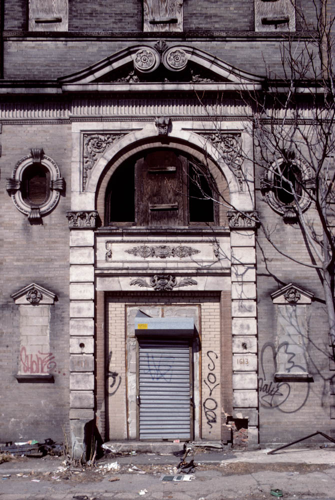 27-1613EastNewYorkAve.EntranceBrooklyn1994_