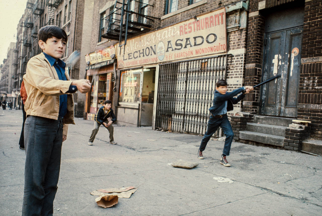 63-StickballLowerEastSideNYC1970_